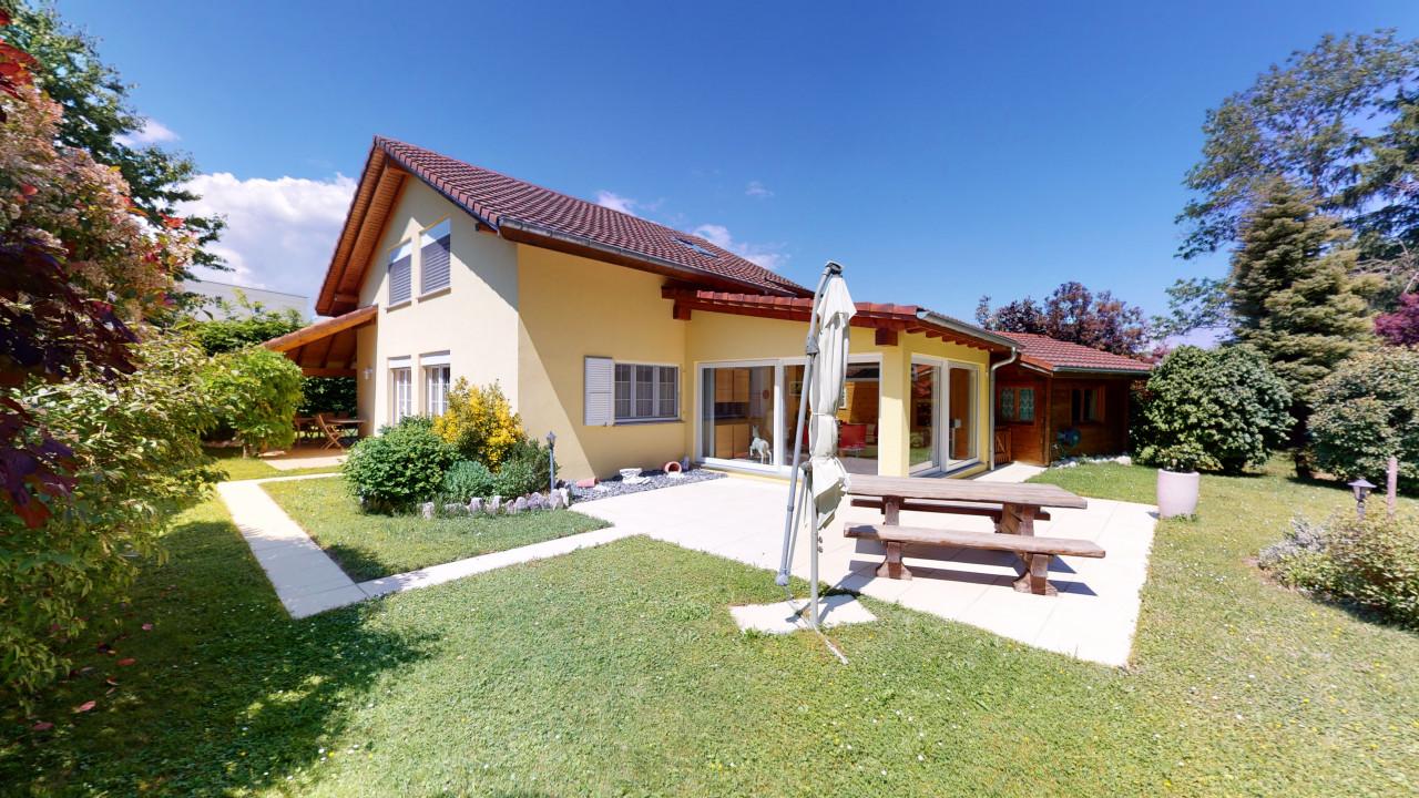 Prächtige Villa mit 2 Terrassen, Veranda und herrlichem Grundstück