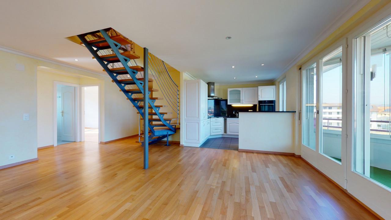 Duplex en combles - Grandes chambres et balcon abrité