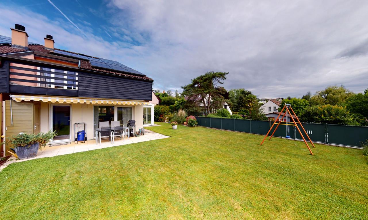 House  for sale in Vaud Echandens