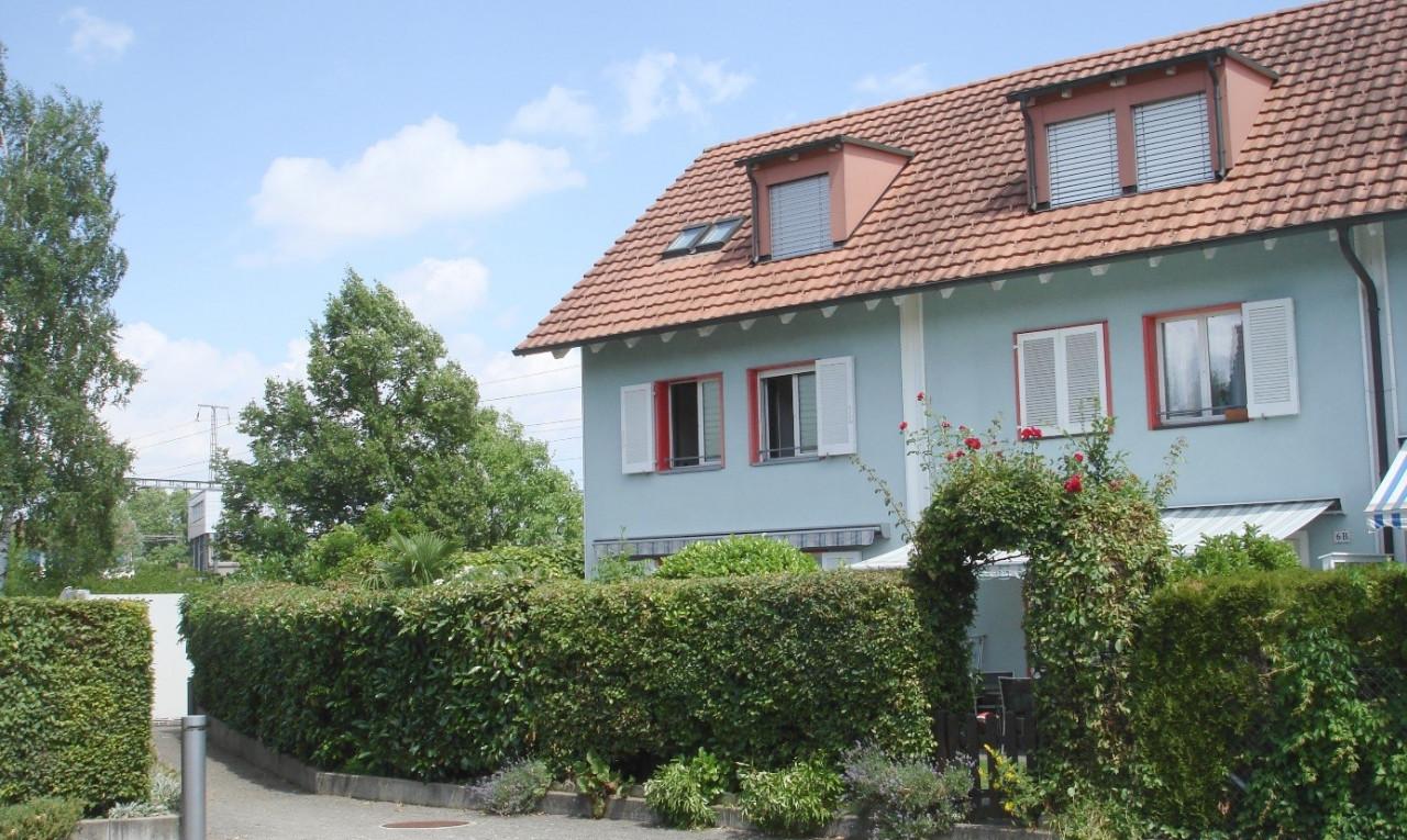 Haus zu verkaufen in Zürich Dietlikon