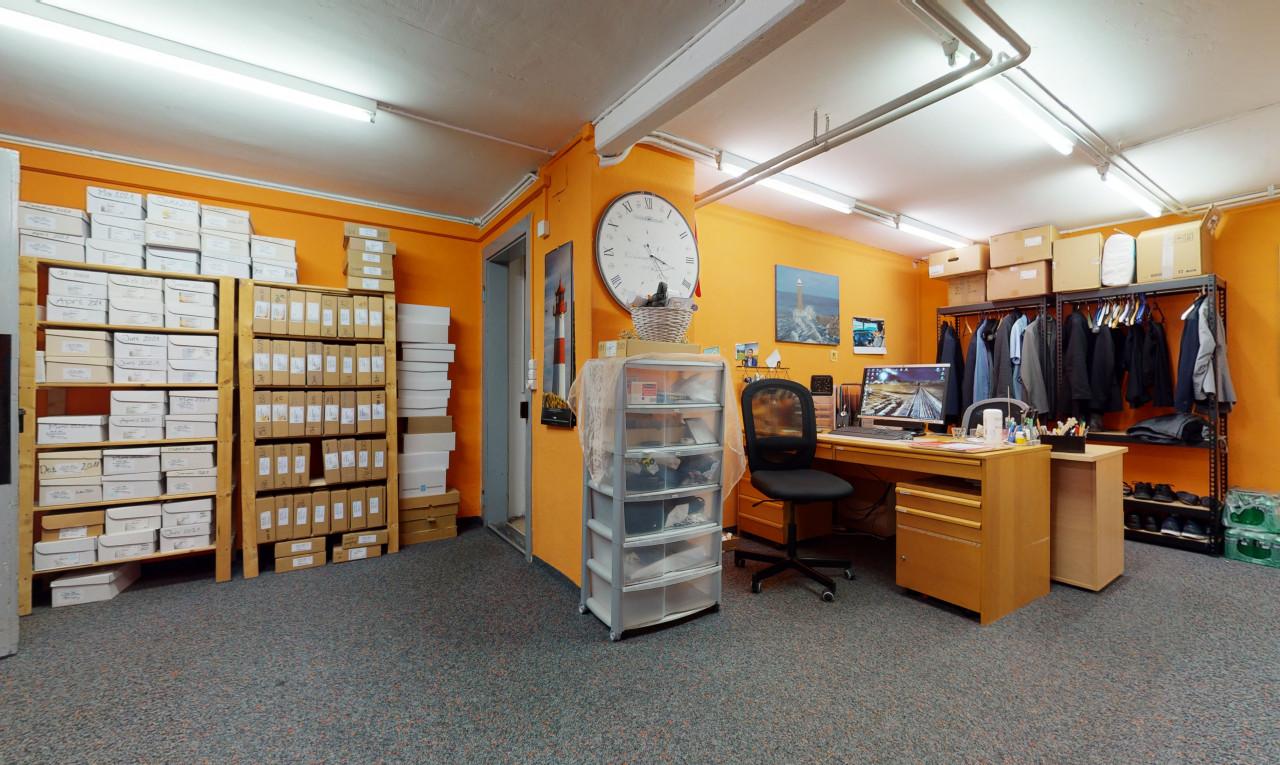 Geschäftslokal - Erdgeschoss