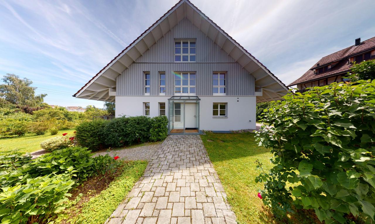 Haus zu verkaufen in Zürich Schwerzenbach